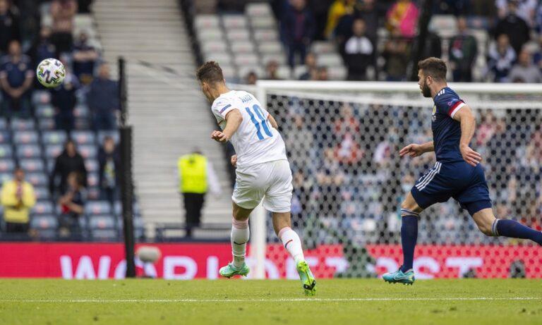 Euro 2020 – Πάτρικ Σικ: Ποιος είναι ο Τσέχος που έβαλε αυτό το «άρρωστο» γκολ στη Σκωτία