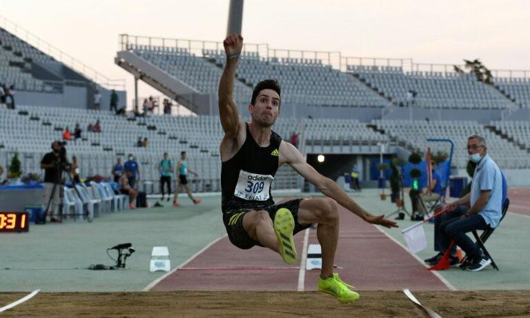 Ο Μίλτος Τεντόγλου έκανε άλλη μια εντυπωσιακή εμφάνιση, αυτή τη φορά στο Πανελλήνιο Πρωτάθλημα κερδίζοντας με άλμα στα 8,48μ.