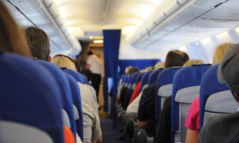 Αεροπλάνα: Γι αυτό δεν πρέπει να βγάζετε ποτέ τα παπούτσια σας στην πτήση