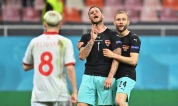 Euro 2020: Ο Μάρκο Αρναούτοβιτς ξέφυγε κατά τη διάρκεια των πανηγυρισμών, έπειτα από το γκολ του επί της Βόρειας Μακεδονίας.
