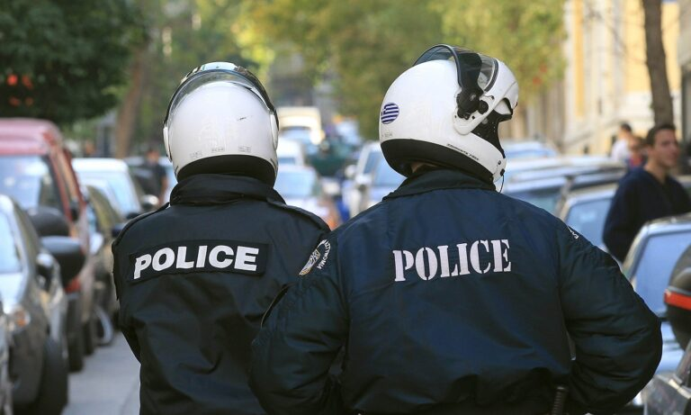 Πυγμάχος στο Χαλάνδρι χτύπησε με γκλοπ αστυνομικό