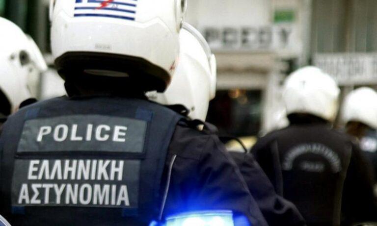 Θεσσαλονίκη: Τριάντα ροπαλοφόροι επιτέθηκαν σε παρέα που βρισκόταν σε καφετέρια