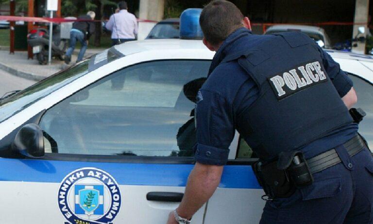 Θεσσαλονίκη : Αστυνομικός πήρε… τουλουμπάκια και ξέχασε το όπλο του στο ζαχαροπλαστείο
