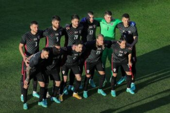 Euro 2020: Ξεκάθαρη είναι η στάση της Εθνικής Κροατίας όσον αφορά τη «μόδα» που ακολουθούν αρκετές ομάδες γονατίζοντας ως μια κίνηση ενάντια στον ρατσισμό.