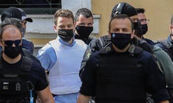 Έγκλημα στα Γλυκά Νερά: Ολοκληρώθηκε την Τρίτη (22/6), έπειτα από 5 ώρες, η απολογία του πιλότου στον ανακριτή.