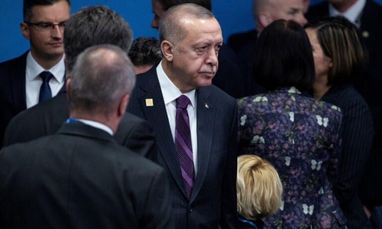 Δε σταματάει τις προκλήσεις ο Τούρκος πρόεδρος, Ρετζέπ Ταγίπ Ερντογάν. Η τελευταία ήρθε στο περιθώριο της Συνόδου Κορυφής του ΝΑΤΟ.
