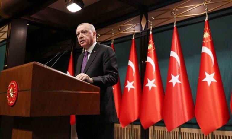 Ελληνοτουρκικά: Σε άσχημη κατάσταση η υγεία του Ερντογάν; Έδειξε να παραπατάει!