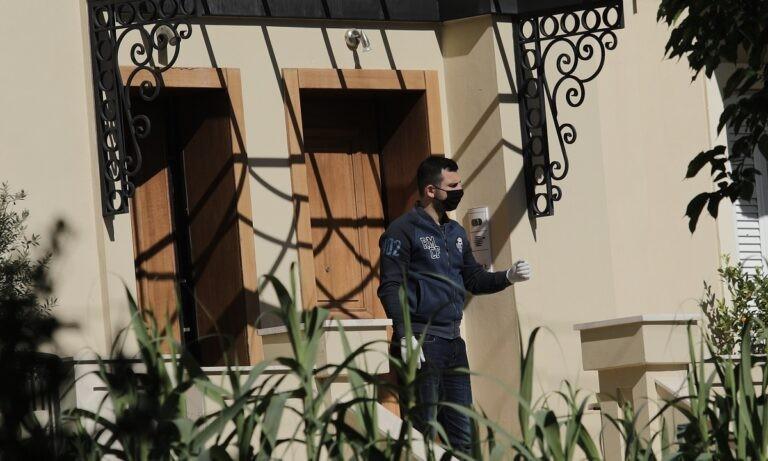 Έγκλημα στα Γλυκά Νερά: «Άκουγα στο τηλέφωνο τον Μπάμπη να μουγκρίζει», λέει η γειτόνισσα