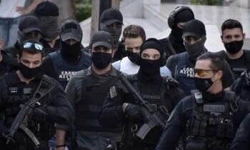Γλυκά Νερά: Στη «VIP» πτέρυγα του Κορυδαλλού κρατείεται ο Μπάμπης Αναγνωστόπουλος, ο οποίος ζήτησε να μπει αμέσως στα μεροκάματα.