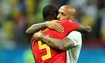 Euro 2020: Ο Ανρί «γράπωσε» τον Λουκάκου και του έκανε...ιδιαίτερα!