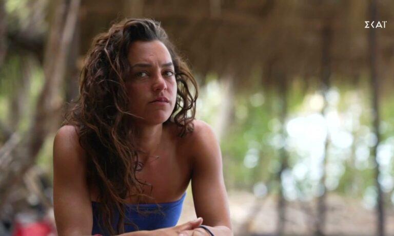 Survivor: Ξεσπάθωσε ο αδελφός της Καρολίνας για τη γυμνή εμφάνιση
