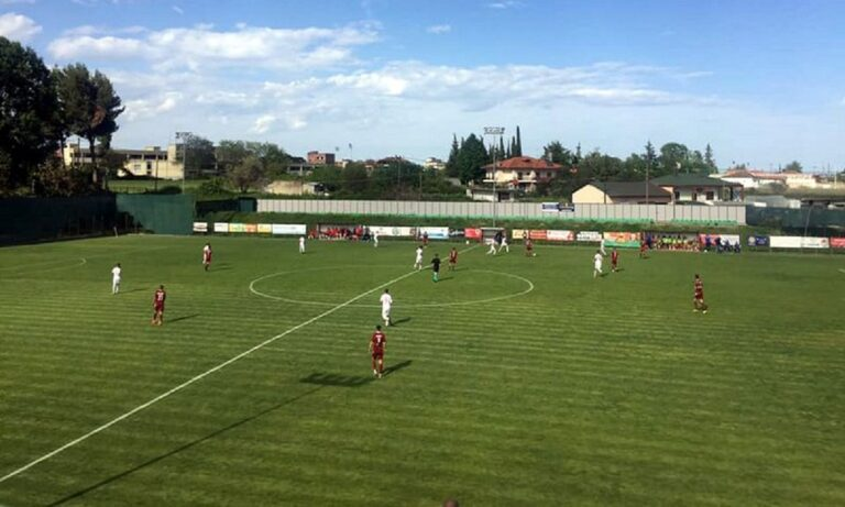 Football League: «Αυτοκτόνησε» και υποβιβάστηκε ο Απόλλων Πόντου!