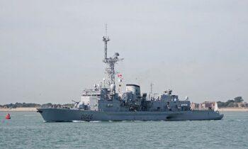 Ουκρανοί: Οι Γάλλοι πήγαν να φορτώσουν σαπάκι πλοίο στους Έλληνες με την Αθήνα να κόβει κάθε κουβέντα, σημειώνει το Defense Express.