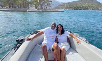 Ο θρύλος του NBA, Μάτζικ Τζόνσον βρίσκεται στη χώρα μας και κάνει τις διακοπές του μαζί με τη σύζυγό του, Κούκι και δηλώνει εντυπωσιασμένος από την Ελλάδα.