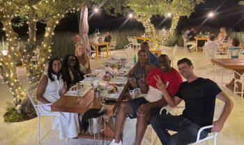 Δεν «ξεκολλάει» από την Ελλάδα ο Μάτζικ Τζόνσον και η σύζυγός του Κούκι! Μετά την Κέρκυρα και την Ιθάκη ο «μάγος» επισκέφθηκε και την Ζάκυνθο!