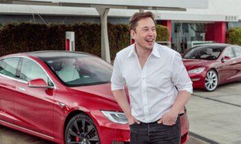 Έλον Μασκ: Σχόλιο στο προφίλ του στο Twitter, χρησιμοποιώντας μια φράση στα Αρχαία Ελληνικά, έκανε ο ιδρυτής της Tesla.