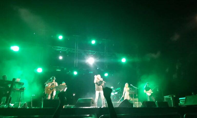 Επιτέλους άνθρωποι πάλι: Η Ελένη Ράντου μας πήγε στη συναυλία του Βασίλη Παπακωνσταντίνου