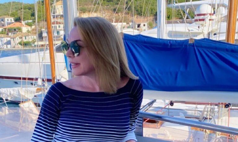 Μετά από μια έντονη και κουραστική τηλεοπτική σεζόν, η Τατιάνα Στεφανίδου απολαμβάνει στιγμές χαλάρωσης και ξεγνοιασιάς στη θάλασσα.