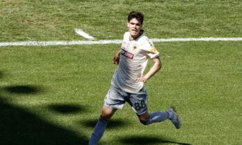Ο Σταύρος Βασιλαντωνόπουλος έμεινε εκτός της λίστας των ποδοσφαιριστών της ΑΕΚ που κάνουν ιατρικές και εργομετρικές εξετάσεις σήμερα και αύριο.