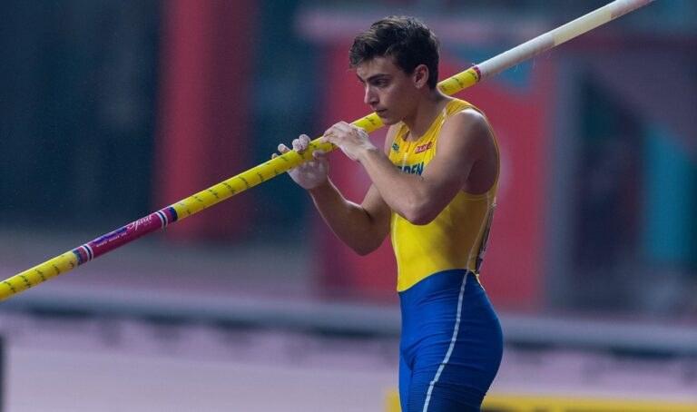 Ο Άρμαντ Ντουπλάντις παραδέχθηκε ότι αισθάνεται σαν να έχει «το βάρος της Σουηδίας στους ώμους μου» πριν από τους Ολυμπιακούς Αγώνες.