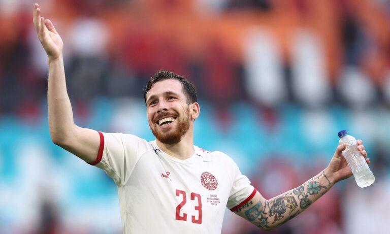 Euro 2020 – Πιέρ-Εμίλ Χόιμπιεργκ: Ο «νεροκουβαλητής» που εμπνέει τη Δανία!