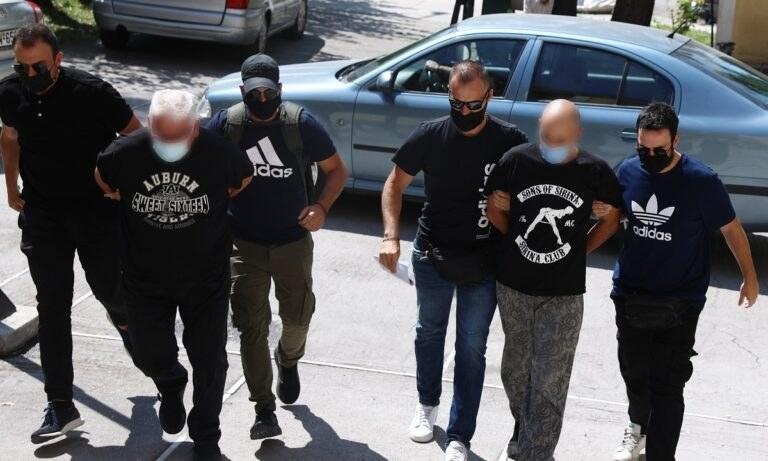 Ηλιούπολη: Στον εισαγγελέα ο πατέρας και ο αστυνομικός που κακοποιούσαν και εξέδιδαν την 19χρονη