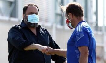 Ο Ολυμπιακός πραγματοποίησε τον ετήσιο αγιασμό του στο Ρέντη όπου ο Βαγγέλης Μαρινάκης μίλησε στους παίκτες για τη νέα σεζόν.