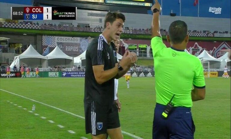 MLS: Η περίεργη αποβολή που έγινε viral! (vid)