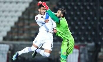 Όπως γράφει η στήλη «Παρασκήνια» στο Sportime απομένουν λεπτομέρειες ώστε ο Βαγγέλης Παυλίδης να συνεχίσει την καριέρα του στην Αλκμάαρ!