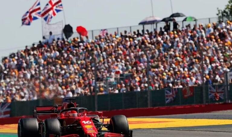 Aπίστευτο! 140.000 κόσμου στο Grand Prix του Silverstone χωρίς μάσκα!
