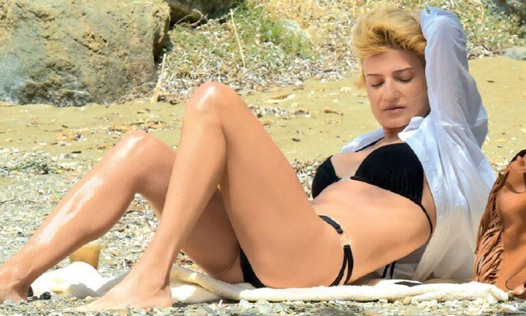 Φαίη Σκορδά: Τα ατελείωτα πόδια της… ζαλίζουν-Τι ύψος έχει ξέρετε; (vids+pics)