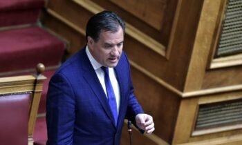 Άδωνις Γεωργιάδης: Απολύσεις εργαζομένων που δεν εμβολιάζονται... ούτε αφού τεθούν σε αναστολή