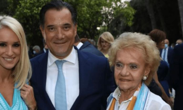 Αδωνις Γεωργιάδης: Ολοι όσοι φωτογραφήθηκαν δίπλα του στην εκδήλωση για τη δημοκρατία στο Προεδρικό Μέγαρο