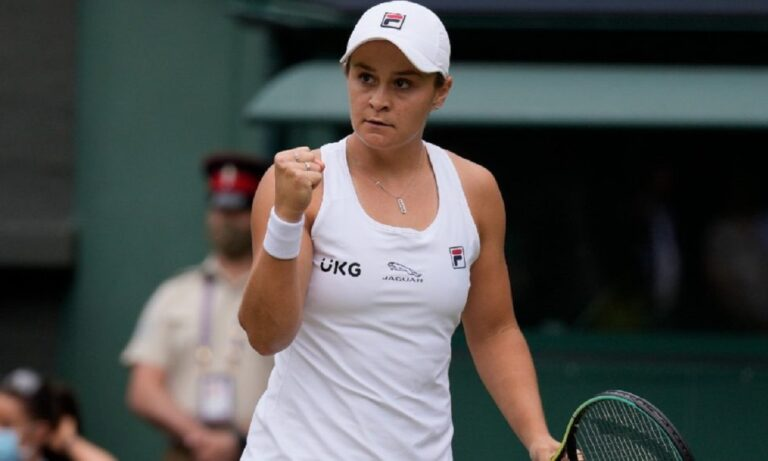 Δέκα χρόνια μετά από το Wimbledon Juniors ,η Άσλεϊ Μπάρτι κατακτά ξανά το Wimbledon κόντρα στην Καρολίνα Πλίσκοβα το Σάββατο (10/7).