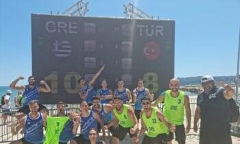 Beach Handball – Ευρωπαϊκό: Πρώτη νίκη για Εθνική Ανδρών που επικράτησε της Τουρκίας με 2-1. Επόμενος αντίπαλος η Βουλγαρία.