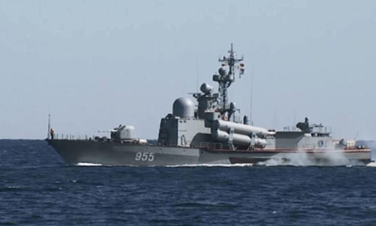 Το ελληνικό πλοίο Δανιόλος βρίσκεται υπό στενή ρωσική παρακολούθηση από τις 10 Ιουλίου που πέρασε τα Στενά και βρέθηκε στην Μαύρη Θαλασσα, ανακοίνωσε η Μόσχα το Σάββατο.