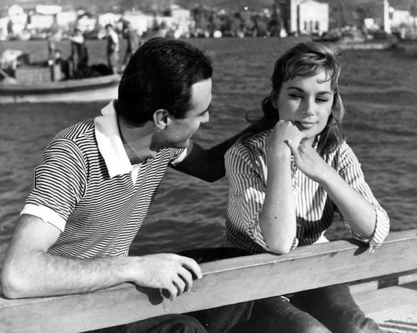 Αλίκη Βουγιουκλάκη - Τζένη Καρέζη: Το παράδοξο όταν γνωρίστηκαν οι δύο μεγάλες αυτές Ελληνίδες ηθοποιοί και έγιναν φίλες είναι πως δεν είχαν καμία σχέση με όπως τις μάθαμε.