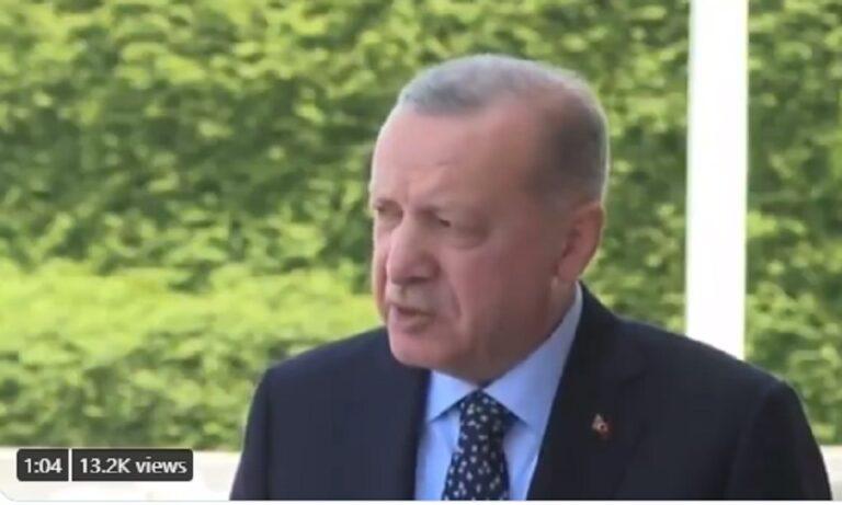 Τουρκία: Αμετανόητος ο Ερντογάν – Δεν θέλει πυροσβεστικά από την Ελλάδα και ας καίγεται ο λαός του