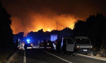 Ιταλία: Δύσκολες ώρες για τη γειτονική χώρα και κυρίως τους κατοίκους της πόλης Οριστάνο στο νησί της Σαρδηνίας, εξαιτίας πυρκαγιών.