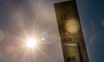 Καιρός: Απίστευτο! Καύσωνας θα σαρώσει την Ελλάδα! Θα φτάσει 45 βαθμούς