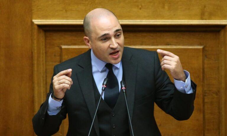Κωνσταντίνος Μπογδάνος: Ζητά να απολυθεί και ο Λυκουρόπουλος από την ΕΡΤ, για ανάλογο ρατσιστικό σχόλιο