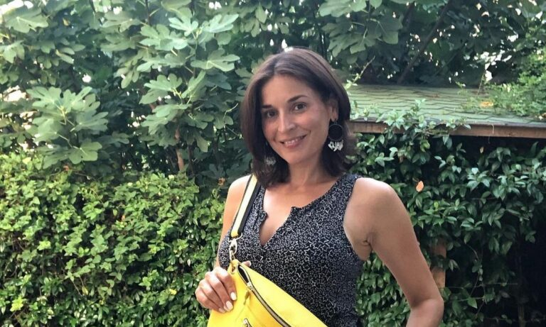 Βαλέρια Κουρούπη: Είναι 47 και έχει αυτό το σώμα