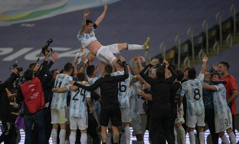Αργεντινή Κόπα Αμέρικα: Η στιγμή της απονομής – Τα δάκρυα και η χαρά του Μέσι! (vid)