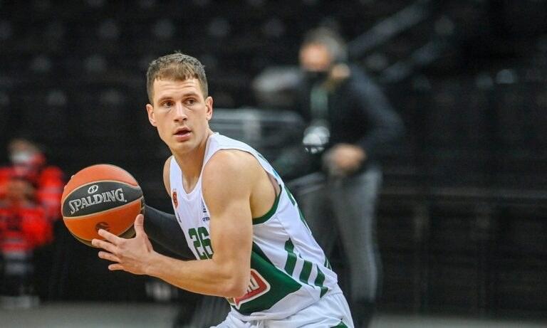 Παίκτης του Παναθηναϊκού θα παραμείνει και επίσημα ο Νεμάνια Νέντοβιτς για τα επόμενα δύο χρόνια, όπως ανακοίνωσε η «πράσινη» ΚΑΕ