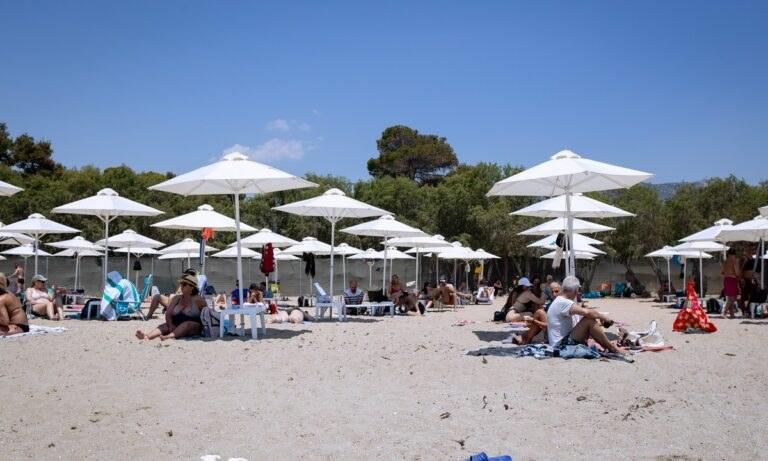 Καύσωνας: Δωρεάν είσοδος σε οργανωμένες παραλίες της Αττικής
