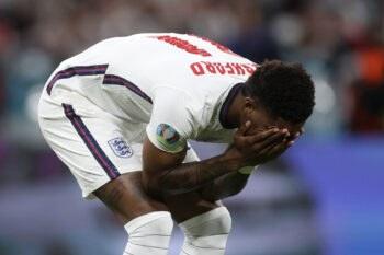 Η Μάντσεστερ Γιουνάιτεντ έστειλε μήνυμα στήριξης στον Μάρκους Ράσφορντ αμέσως μετά την ήττα πέναλτι του τελικού του Euro.