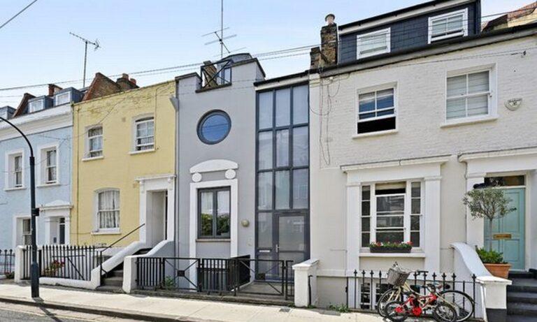 Λονδίνο: Αυτό είναι το σπίτι πλάτους 4 μέτρων που θα πουληθεί 2.000.000 ευρώ