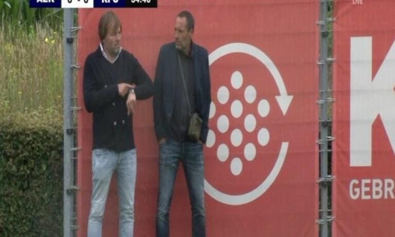 Ο Τζον Φαν'τ Σχιπ βλέπει το σημερινό φιλικό της ΑΕΚ απέναντι στην Αντβέρπ.