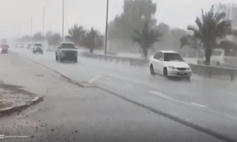 Ντουμπάι: Πώς κατάφερε να φτιάξει δικιά του βροχή
