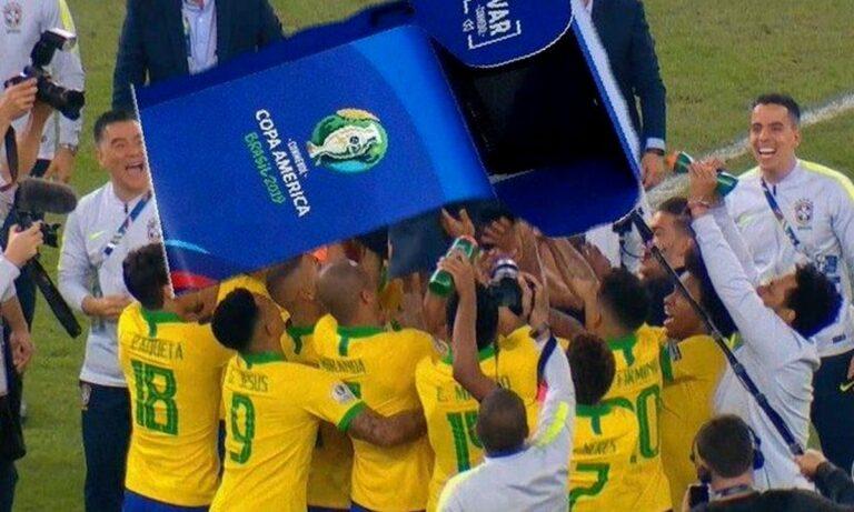 Πανικός στο Twitter με τις διαιτητικές αποφάσεις στον ημιτελικό του Copa America Βραζιλία - Περού. Έξαλλοι οι χρήστες αποκαλούσαν τη Σελεσάο «VARsil».